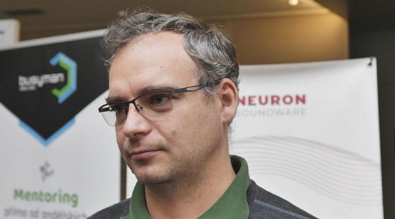 Neuron soundware analyzuje poruchy strojů podle zvuku, pracuje pro BMW nebo Airbus