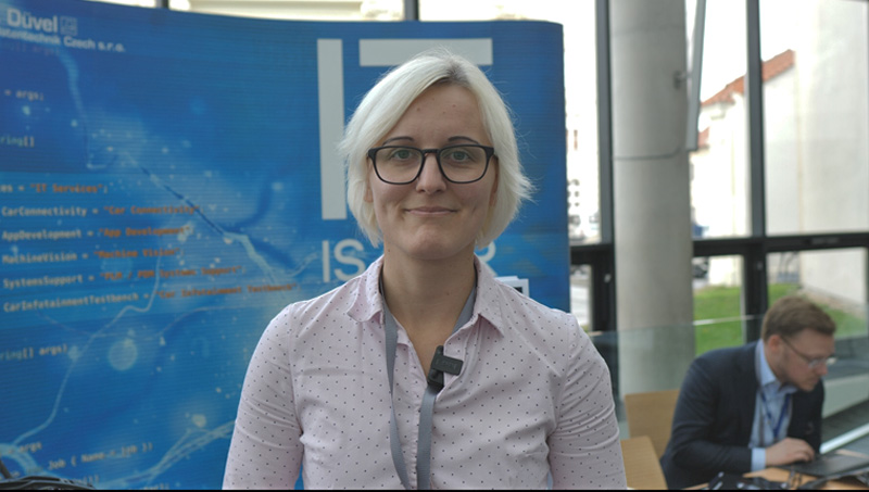 Martina Schultz, support specialist Hönigsberg & Düvel